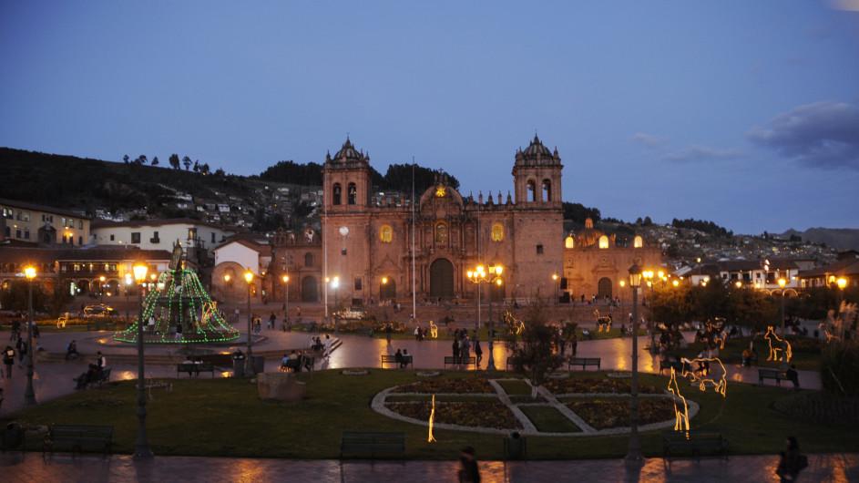 Peru Kathedrale von Cusco bei Nacht