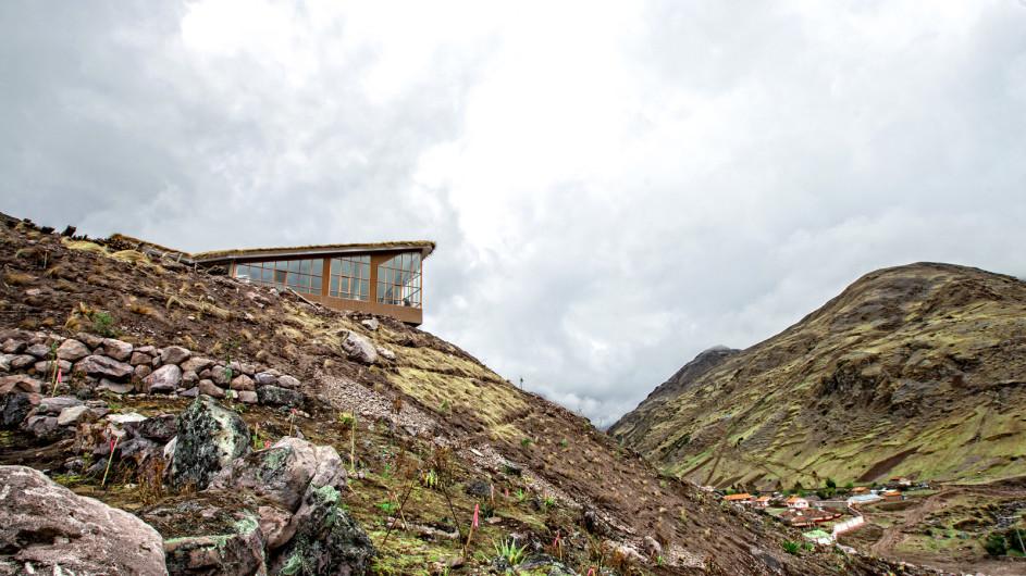 Peru Lares Trek Huacawasi Lodge