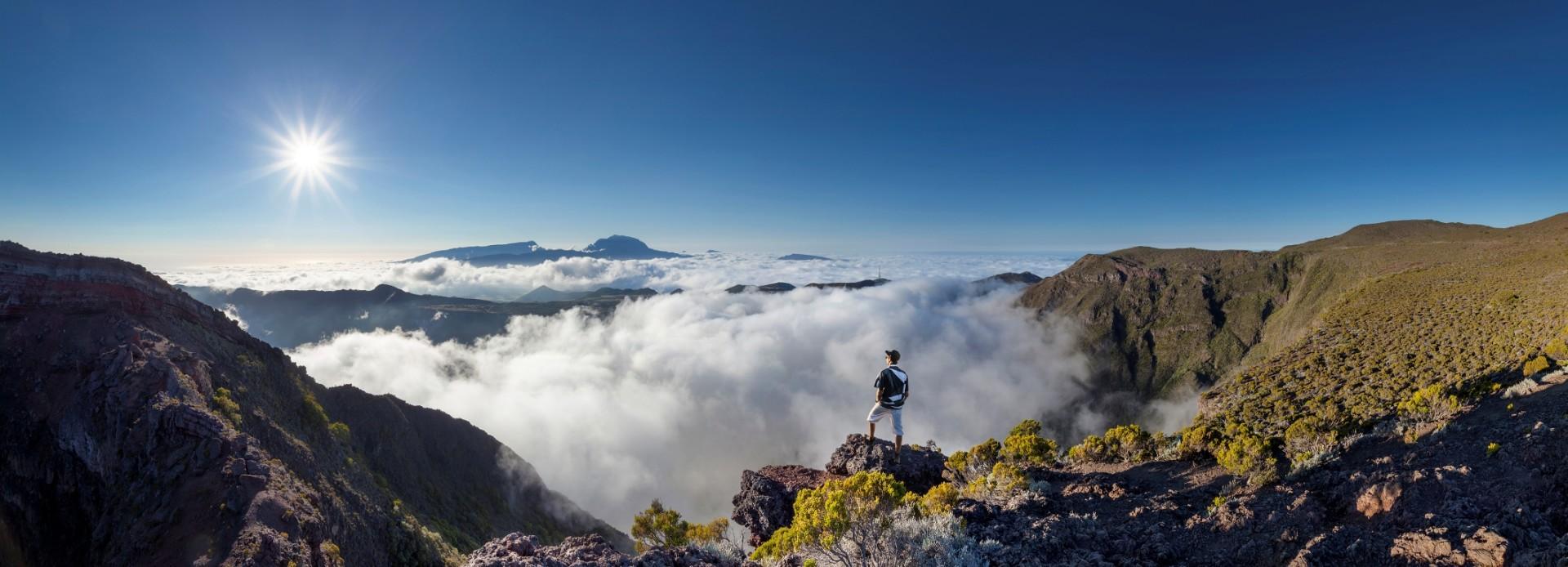 Sonnenaufgang am Piton des Neiges La Reunion