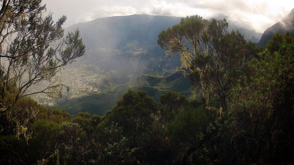 La Réunion Blick auf das Bergdorf Cilaos