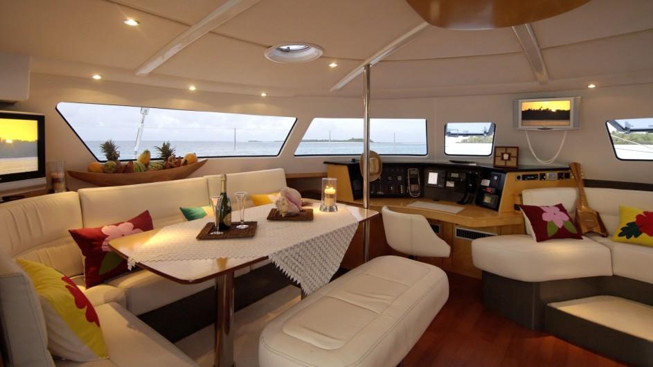Französisch Polynesien - Archipels Cruises - Eleuthera 60 - Salon