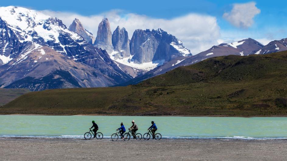 Chile - EcoCamp Biking - Cascada