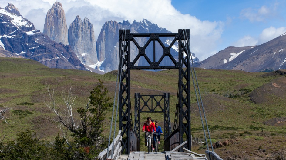 Chile - EcoCamp Biking Torres - Cascada