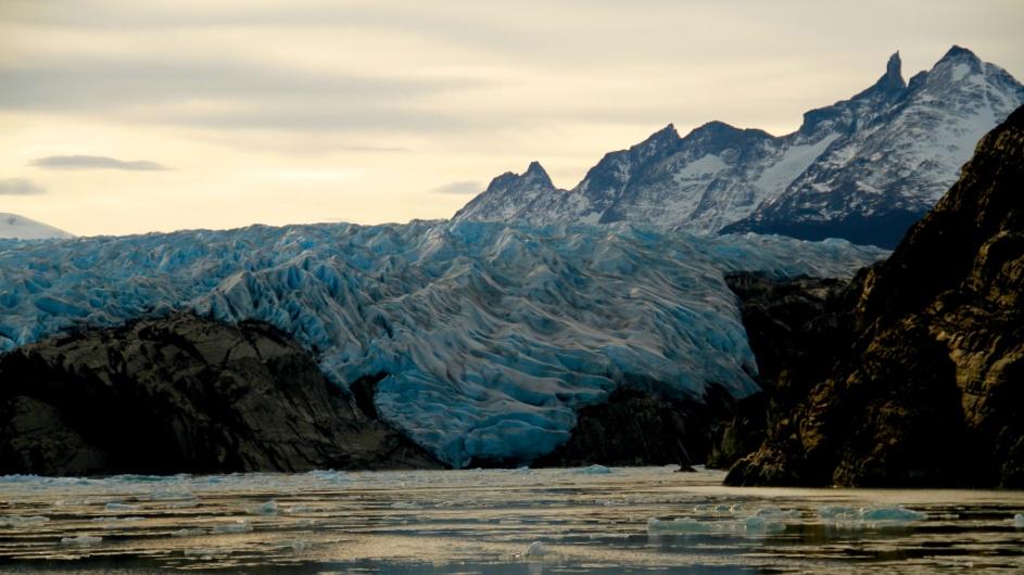 Chile - Grey Gletscher - Cascada