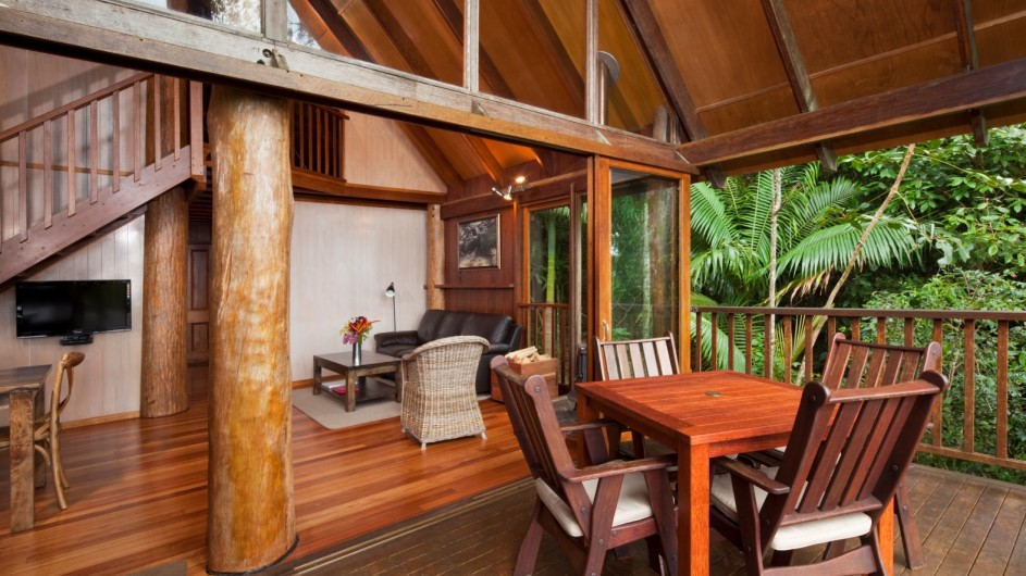Australien Atherton Tablelands Rose Gums Wilderness Retreat Baumhaus innen