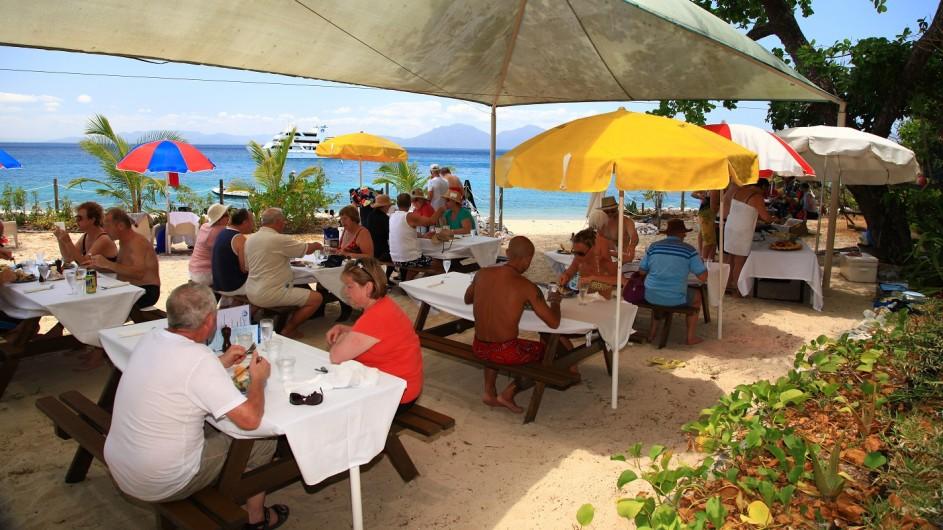 Australien Coral Expeditons Pelorus Island Ausflug