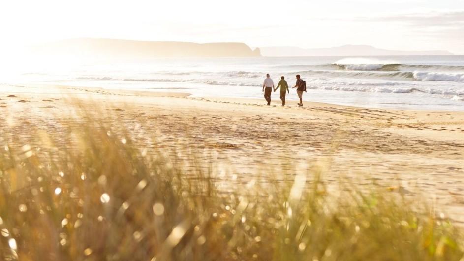 Australien Tasmanien Spaziergang am Strand Bruny Island