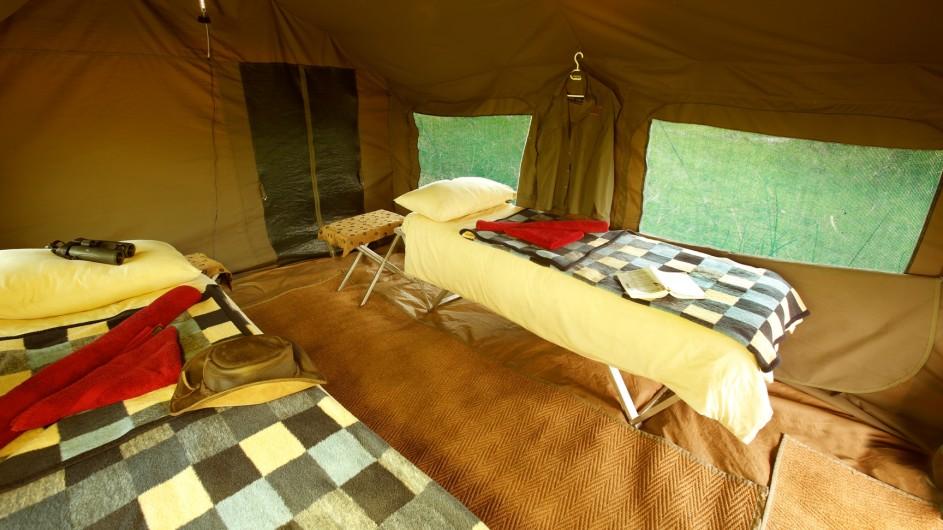 Botswana Letaka Safaris Zelt innen