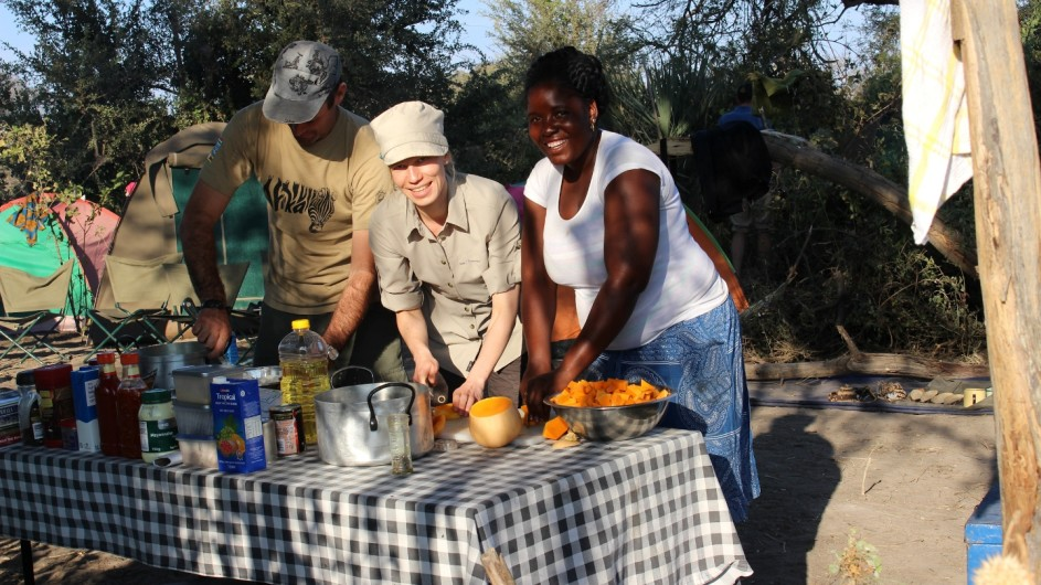 Botswana Sunway Safaris Essensvorbereitungen