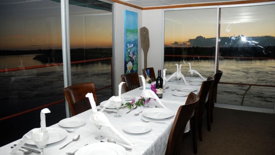 Botswana Kabbo Hausboot Dinner