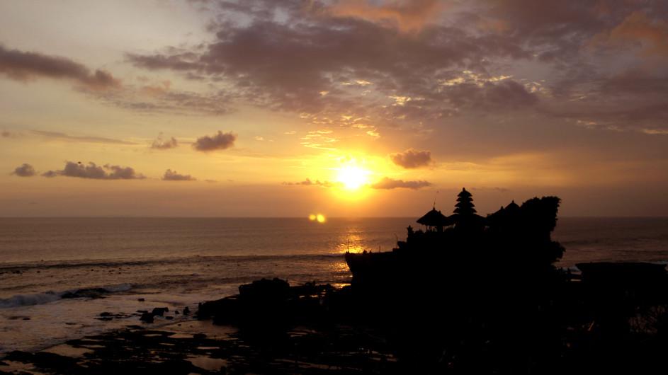 Indonesien Bali Sonneuntergang bei Tanah Lot