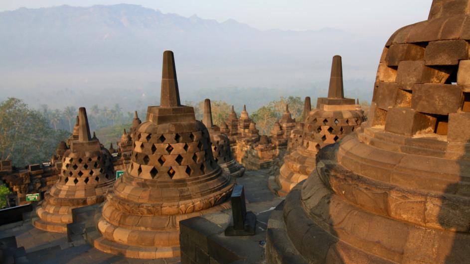 Indonesien - Java - Stupas am Borobudur