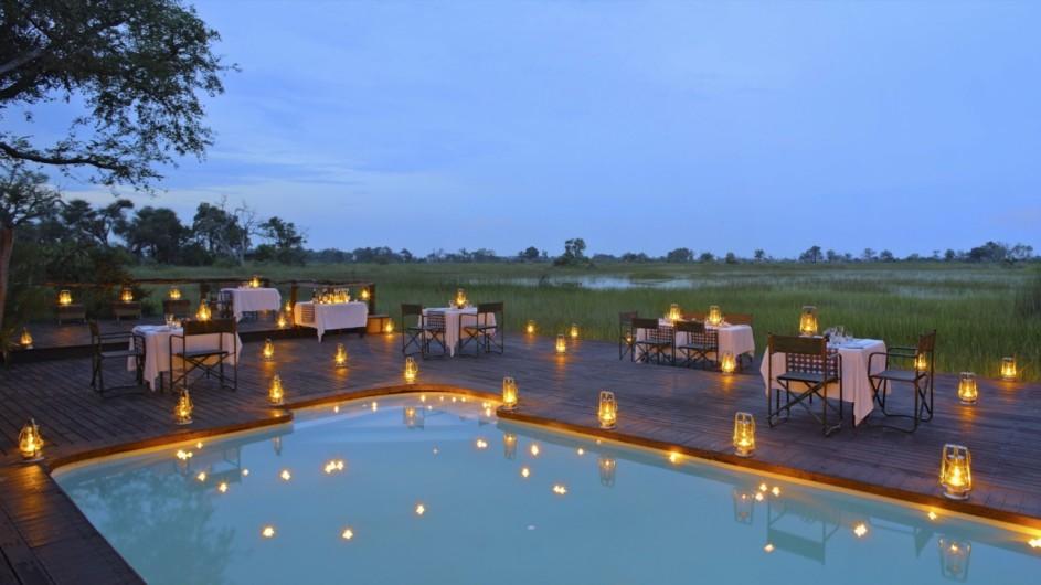 Botswana Okavango Delta CAmp Nxabega Dinner am Pool