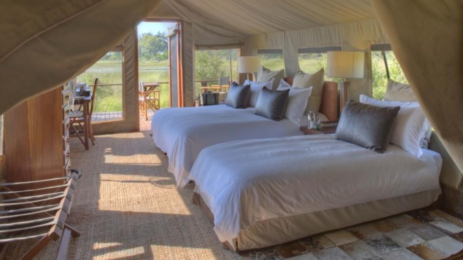Botswana Okavango Delta Nxabega Lodge Zelt innen