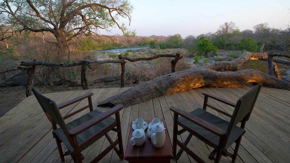 Malawi Mkulumadzi Lodge Ausblick Terrasse
