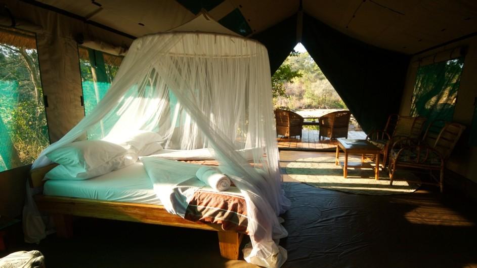 Malawi Nkotakota Wildreservat Bua River Lodge Zelt innen