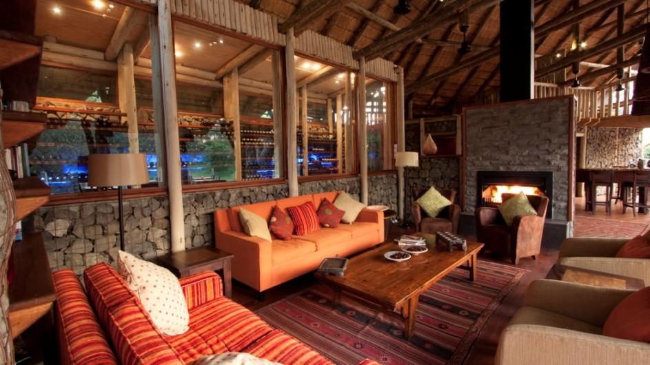 Südafrika - Rhino-post-lounge-int1