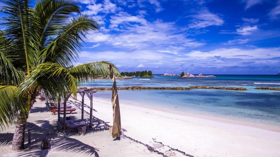 Seychellen La Digue Domaine de L´Orangeraie Strand
