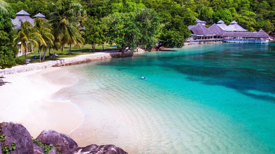 Seychellen Praslin Domaine de la Reserve Strand