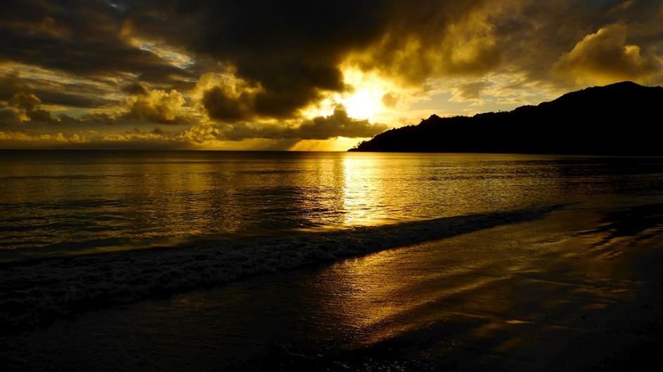 Seychellen Praslin Les Villas D´Or Sonnenuntergang