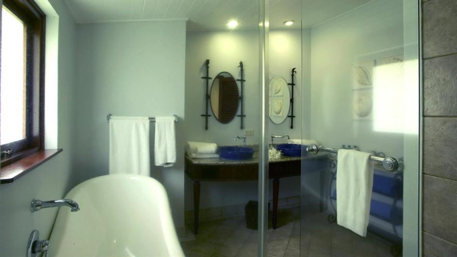 Seychellen Praslin Prasidse Sun Deluxe Zimmer Bad