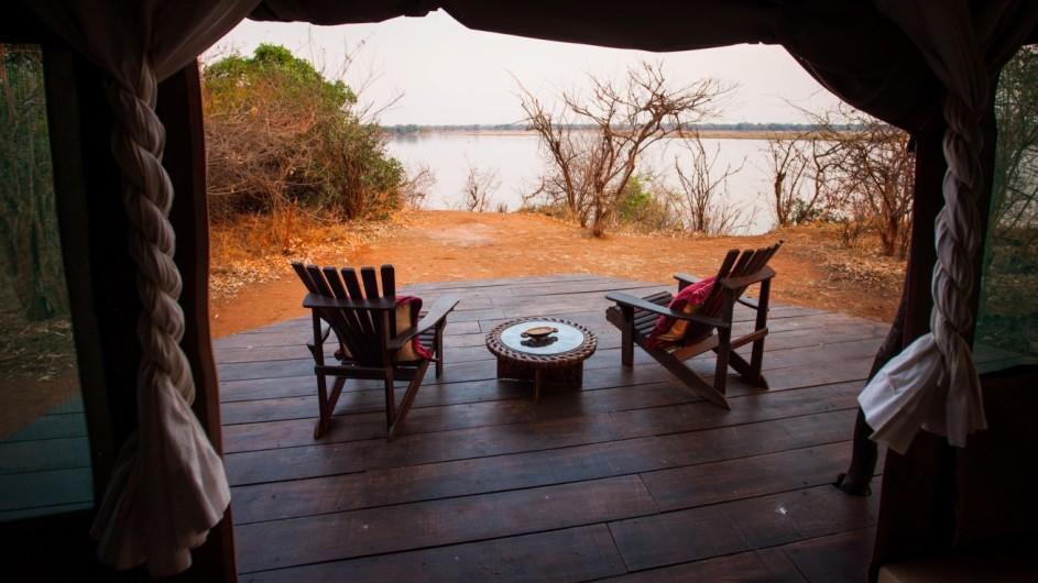 Zambia Kasaka River Lodge Terrasse