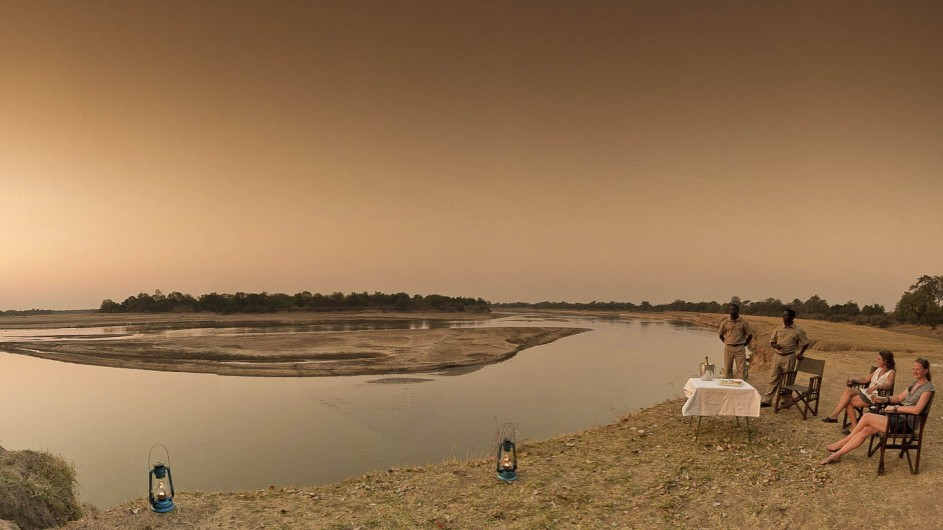 Zambia Nsefu Camp Sundowner