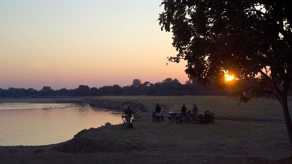 Zambia Nsefu Camp Sundowner