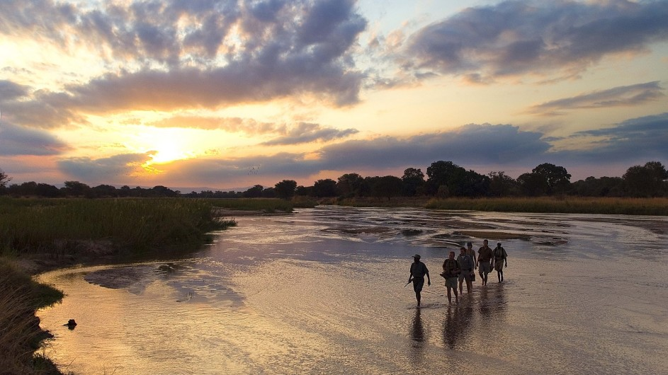 Zambia Wandersafari Wanderung durch den Mupamadzi