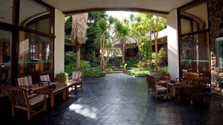 Zimbabwe Hwange Safari Lodge Innenhof