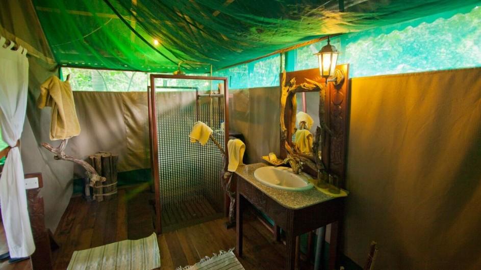Tanzania Katavi Nationalpark Katuma Bush Lodge Badezimmer