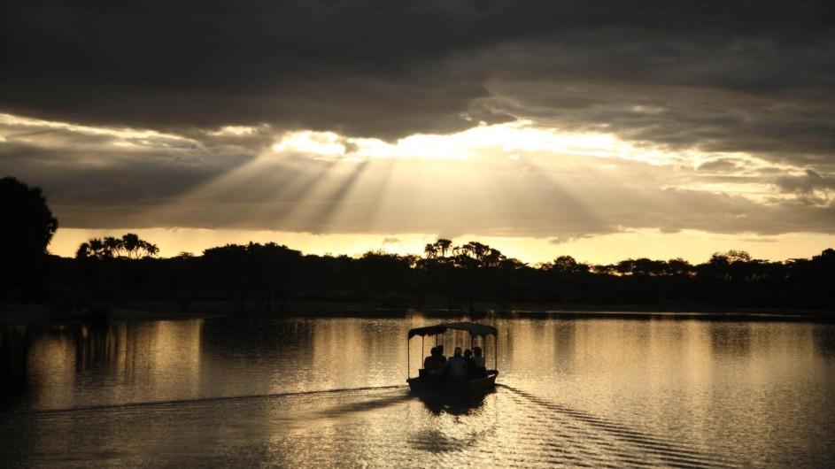 Tanzania Selous Game Reserve Siwandu Bootsfahrt auf dem Lake Nzerakera