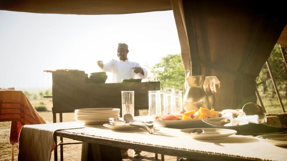 Tanzania Serengeti Olakira Camp Frühstück