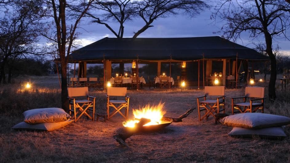 Tanzania Serengeti Olakira Camp Lagerfeuer