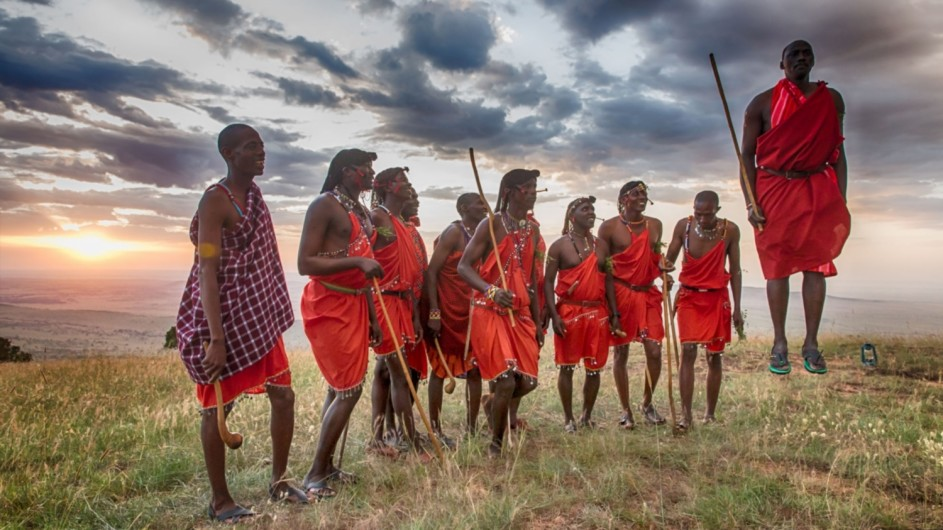 Tanzania Serengeti Kleins Camp Masai Krieger
