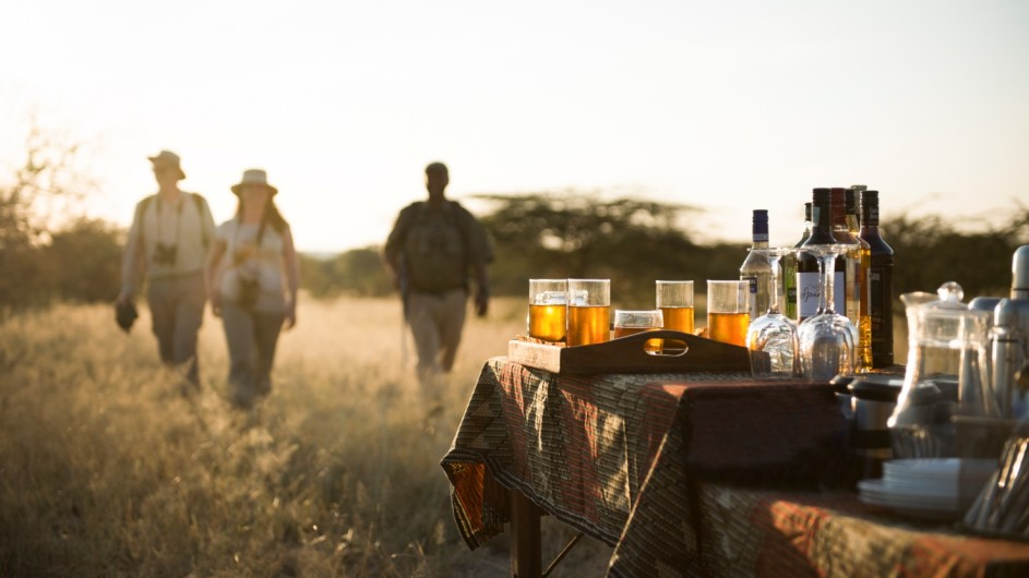 Tanzania Trangiere Nationalpark Olivers Camp Fußpirsch mit Sundowner