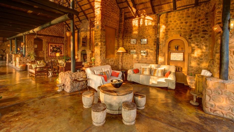 Zambia Stanley Safari Lodge Lounge