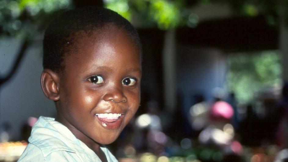 Mozambique Kind am Markt in Inhambane