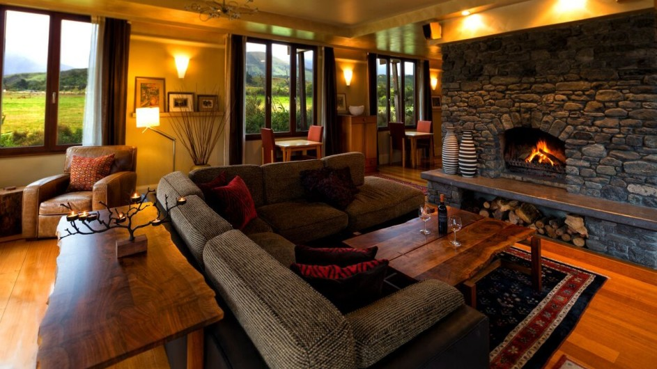 Neuseeland Kaikoura Hapuku Lodge Lounge mit Kamin