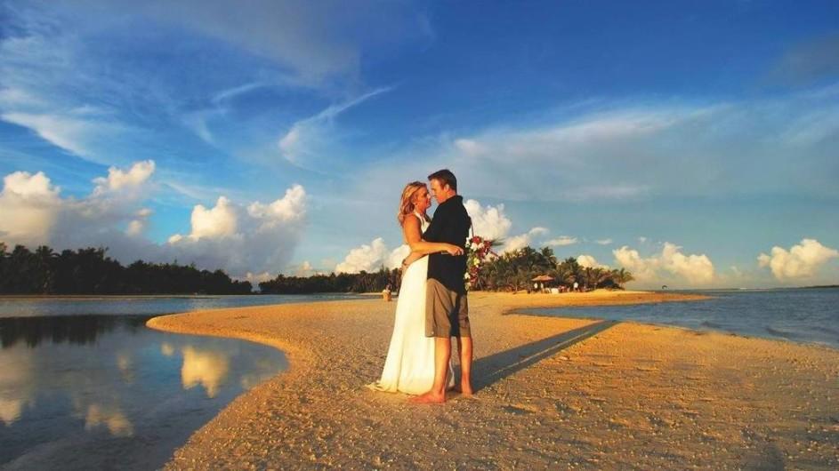 Cook Inseln Aitutaki Lagoon Resort Hochzeitspaar