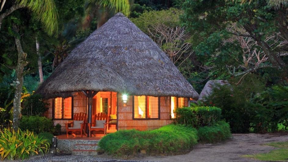 Fiji Inseln Taveuni Matangi Island Resort Strand Bungalow Ansicht