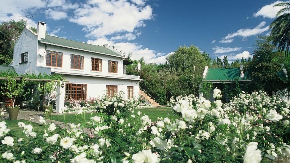 Südafrika Addo Nationalpark Woodall Country House Ansicht vom Garten