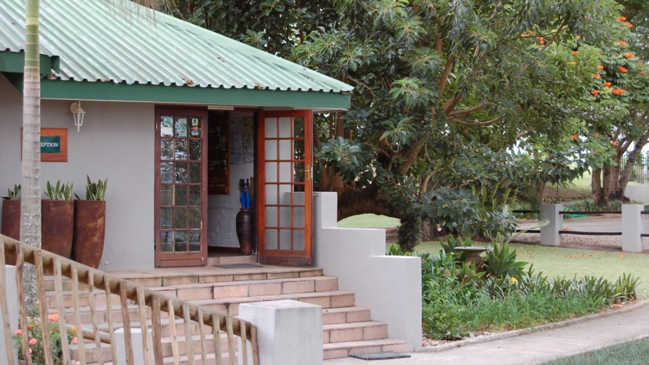 Südafrika Hazyview Chestnut Country Lodge Rezeption
