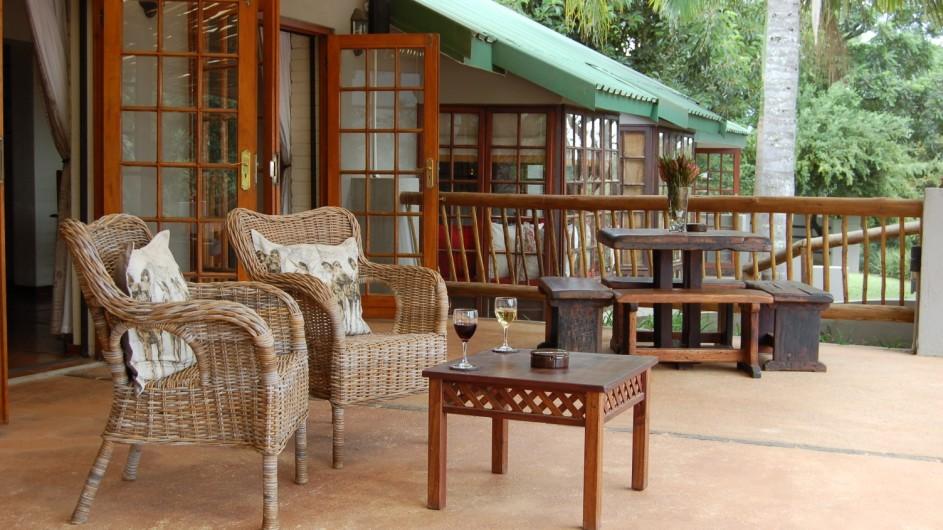 Südafrika Hazyview Chestnut Country Lodge obere Terrasse