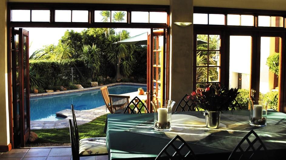 Südafrika Kapstadt Ambiente Gueshouse Frühstückszimmer
