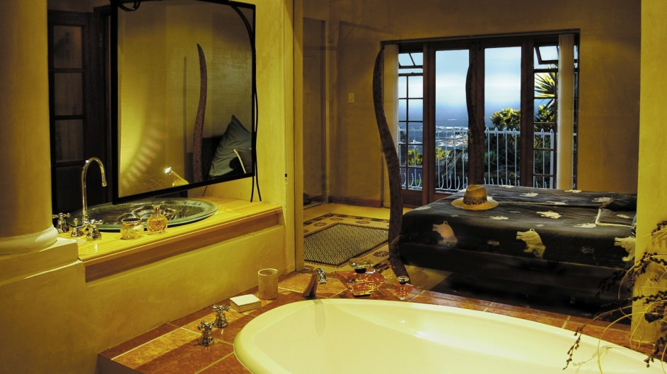 Südafrika Kapstadt Ambiente Gueshouse Suite 2 Bdezimmer mit Meerblick