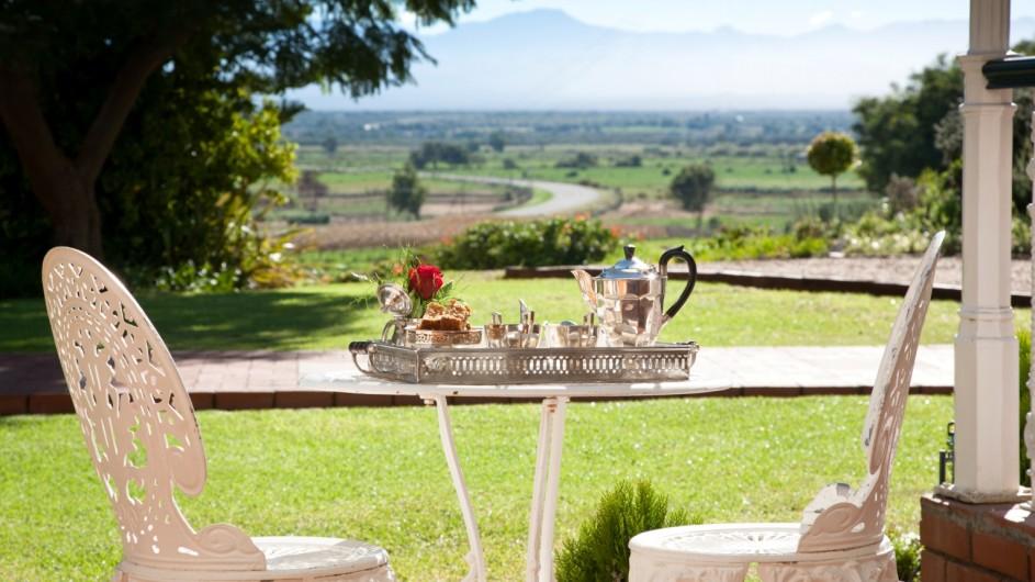 Südafrika Oudtshoorn La PLume Gästehaus Luxuszimmer Aussicht