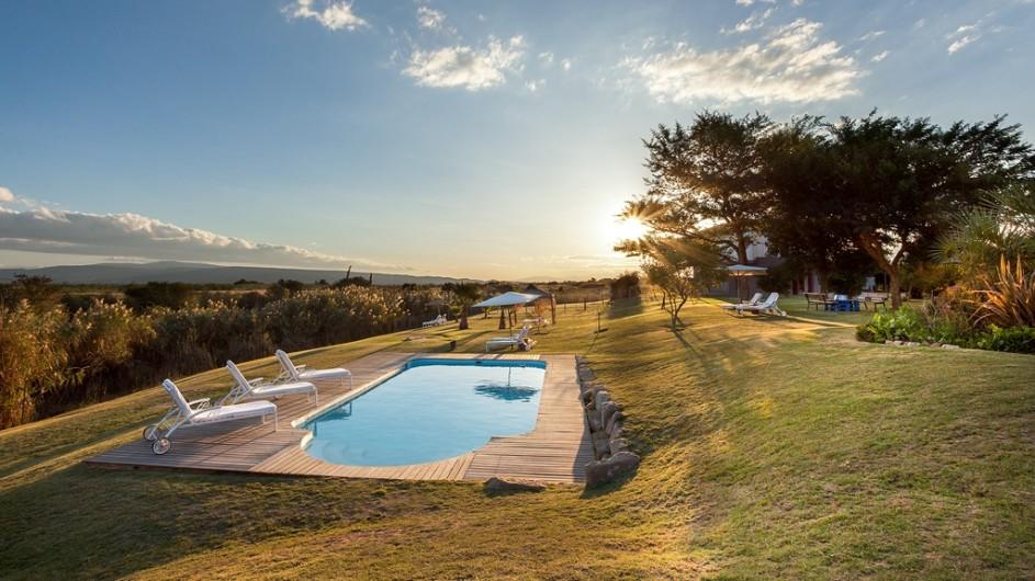 Südafrika Oudtshoorn De Zeekoe Fästefarm Pool