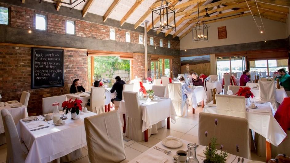 Südafrika Oudtshoorn De Zeekoe Fästefarm Restaurant
