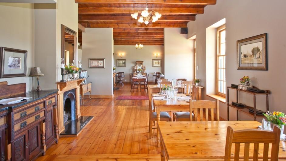 Südafrika Oudtshoorn La PLume Gästehaus Frühstückszimmer